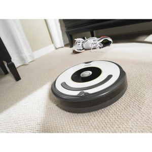 Saugroboter auf dem Fußboden