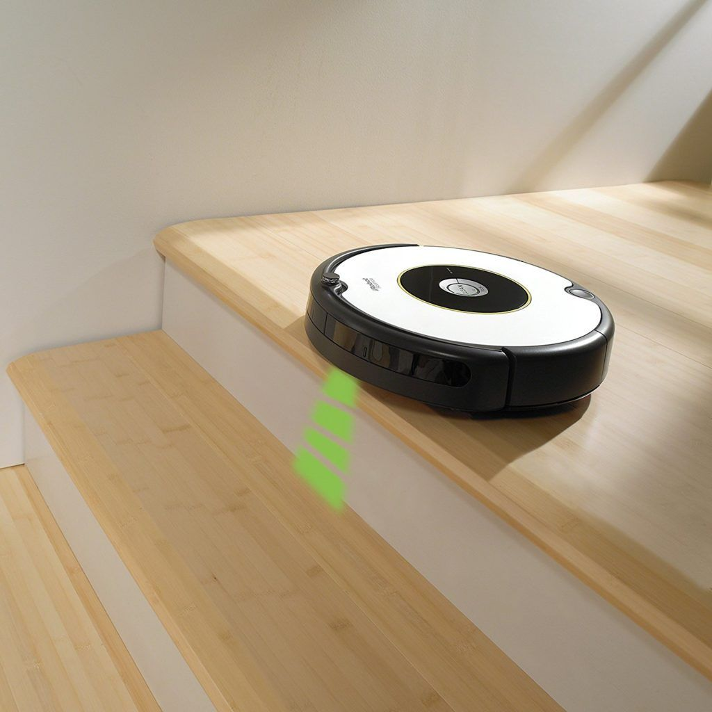 IRobot Roomba 605 Saugroboter mit Sensor im Test